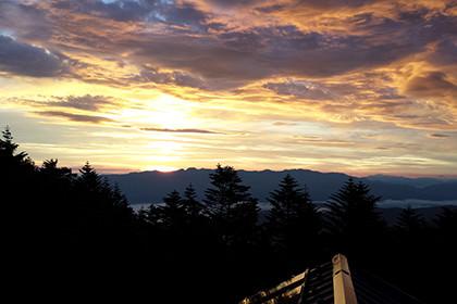 小屋から見える夕焼け
